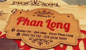 Cơ sở nhận làm biển bảng quảng cáo gỗ treo tường, biển gỗ tên shop làm đạo cụ chụp hình đẹp rẻ