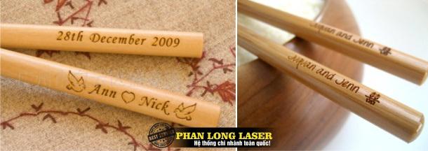 Khắc Laser trên đũa gỗ, đũa tre, đũa nhựa, đũa inox giá rẻ lấy liền