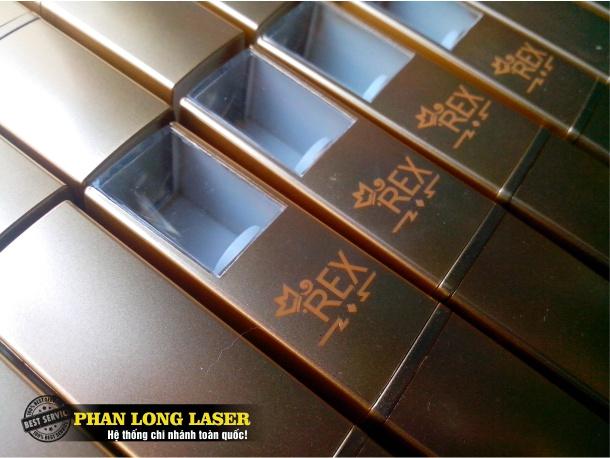 Khắc laser lên vỏ thỏi son môi tại Sài Gòn, Đà Nẵng, Hà Nội