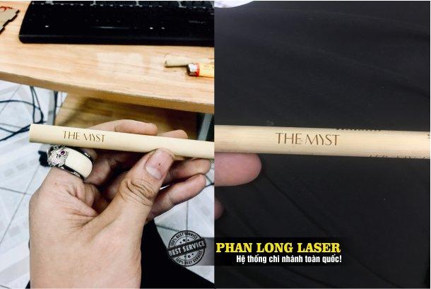 Cơ sở nhận khắc logo, khắc chữ khắc tên, khắc laser lên ống hút gỗ, ống hút tre nứa giá rẻ