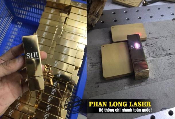Công ty chuyên nhận in laser, khắc laser logo hoa văn, khắc chữ khắc tên lên thân vỏ thỏi son môi giá cực rẻ và làm nhanh lấy ngay lấy liền trên toàn quốc