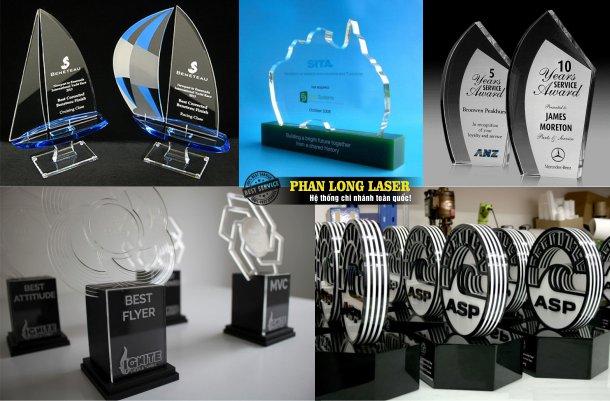Báo giá dịch vụ làm cúp nhựa acrylic, kỷ niệm chương nhựa acrylic, bảng vinh danh nhựa acrylic